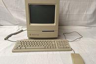 Takim Cię pamiętam – część 3.  Zagadki systemu - Komplet niczym z pudełka. Komputer, klawiatura i mysz. Wszystko idealnie pasuje do siebie.
