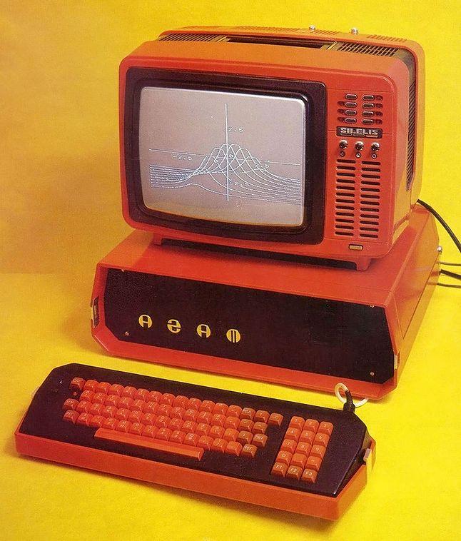 Agat: radziecki klon Apple II (źródło: Wikimedia)