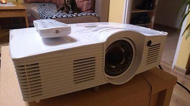 Projektor do oglądania filmów i grania? Optoma GT1080e daje radę!
