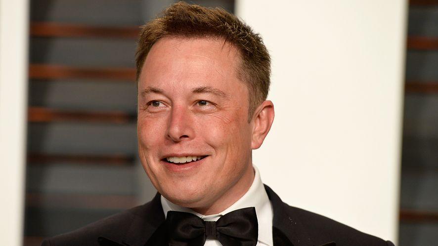 Elon Musk przyjmuje teraz także bitcoiny /fot. GettyImages