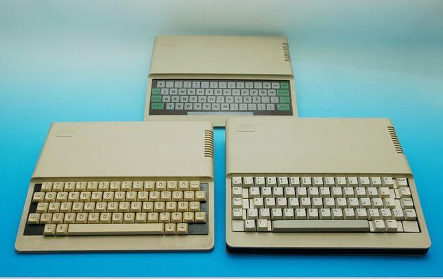 U góry PRIMO z klawiaturą membranową, po lewej PRIMO-B z klawiaturą mechaniczną, po prawej PRIMO PRO, który nie wszedłdo produkcji.