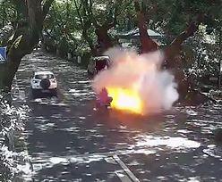 Chiny. Elektryczny skuter wybuchł. Ojciec z córką trafili do szpitala
