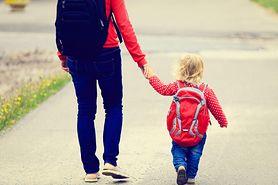 Odblask na plecach nie chroni dziecka. Wiesz dlaczego?