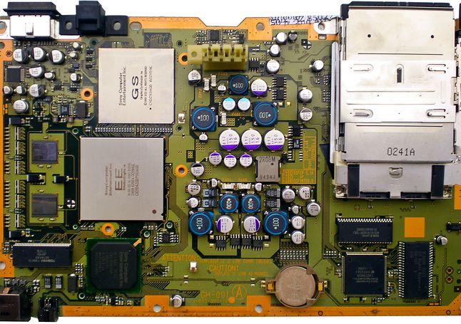 Zdjęcie płyty głównej z pierwszych modeli konsoli