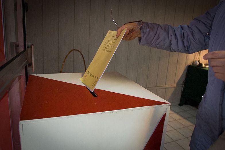 Wybory 2020. Poradnik wyborczy. Jak oddać ważny głos? Jak prawidłowo głosować?