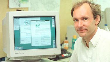 Mniej znana historia przeglądarek internetowych - Tim Berners-Lee ze swoim dziełem