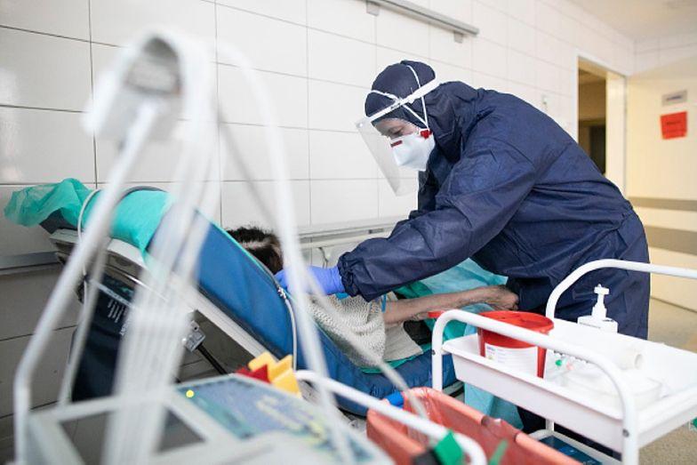 Koronawirus w Polsce. Środowy raport Ministerstwa Zdrowia. Nie jest dobrze