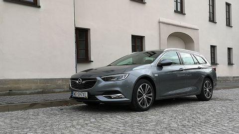 Opel Insignia Sports Tourer: System Multimedia Navi Pro, fabryczne audio i systemy wsparcia kierowcy