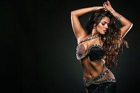 Taniec latino solo - charakterystyka, zalety, jak przebiegają zajęcia, muzyka do latino solo