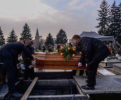 Smutny pogrzeb Karoliny. 23-latkę znaleziono martwą w lesie w Warszawie