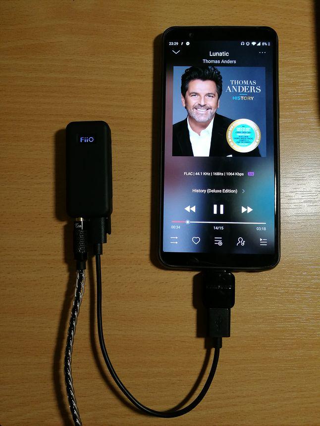 BTR3 podłączony do smartfona przez USB OTG