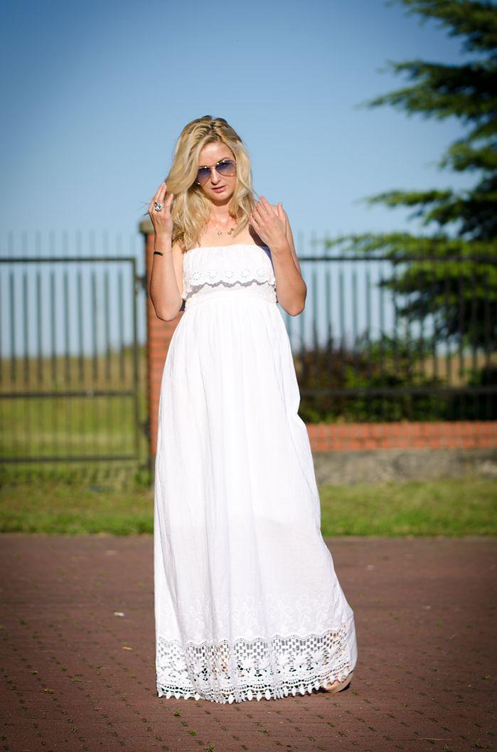 Biała sukienka maxi