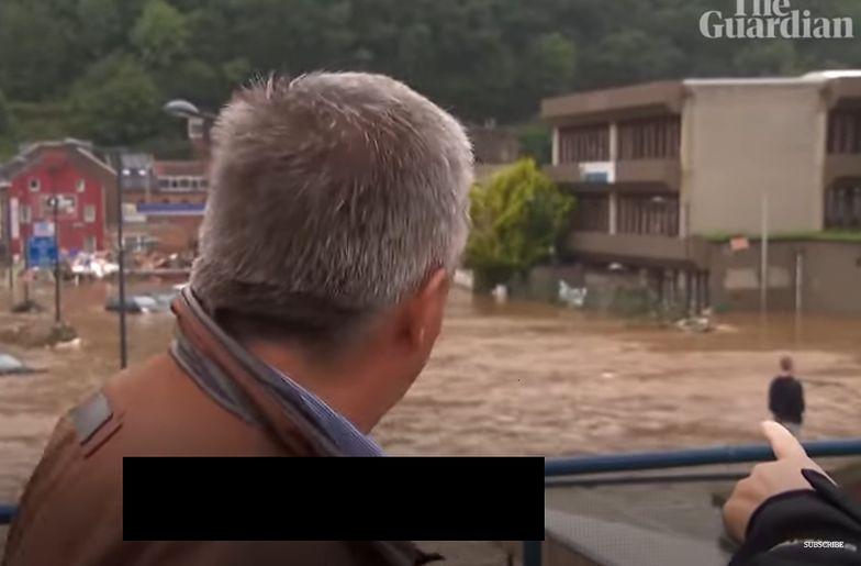 Burmistrz opowiadał o walce z powodzią. W tle rozgrywał się dramat