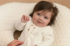 Dziewczynka z bujną czupryną. Wzbudziła zainteresowanie na porodówce