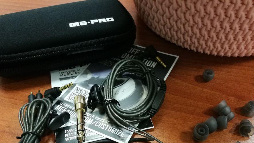 Mee Audio M6 Pro v2, monitory sceniczne, które sprawdzą się w codziennym użyciu