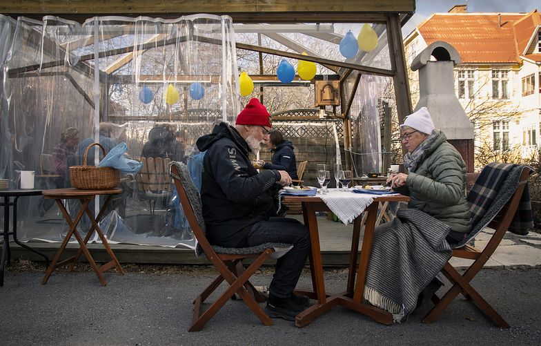 Szwecja się przeliczyła? Wprowadza obostrzenia