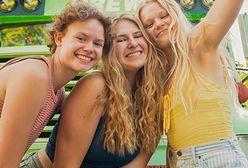 Trzy młode kobiety były w związku z jednym mężczyzną. Dziś podróżują razem po Stanach