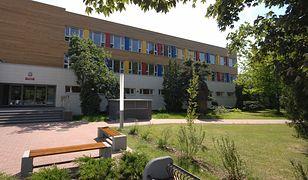 Warszawa. Uczeń w szkole na Bródnie z koronawirusem