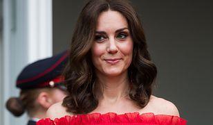 Sekret pięknych nóg księżnej Kate wyszedł na jaw. W Polsce również stosowała ten trik!