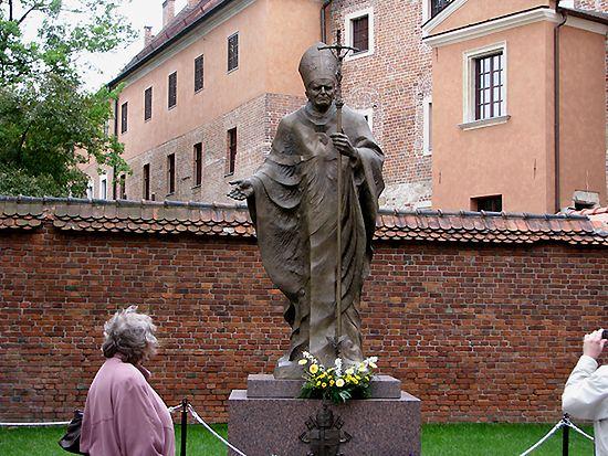 Polska pomnikami papieża stoi - zobacz zdjęcia