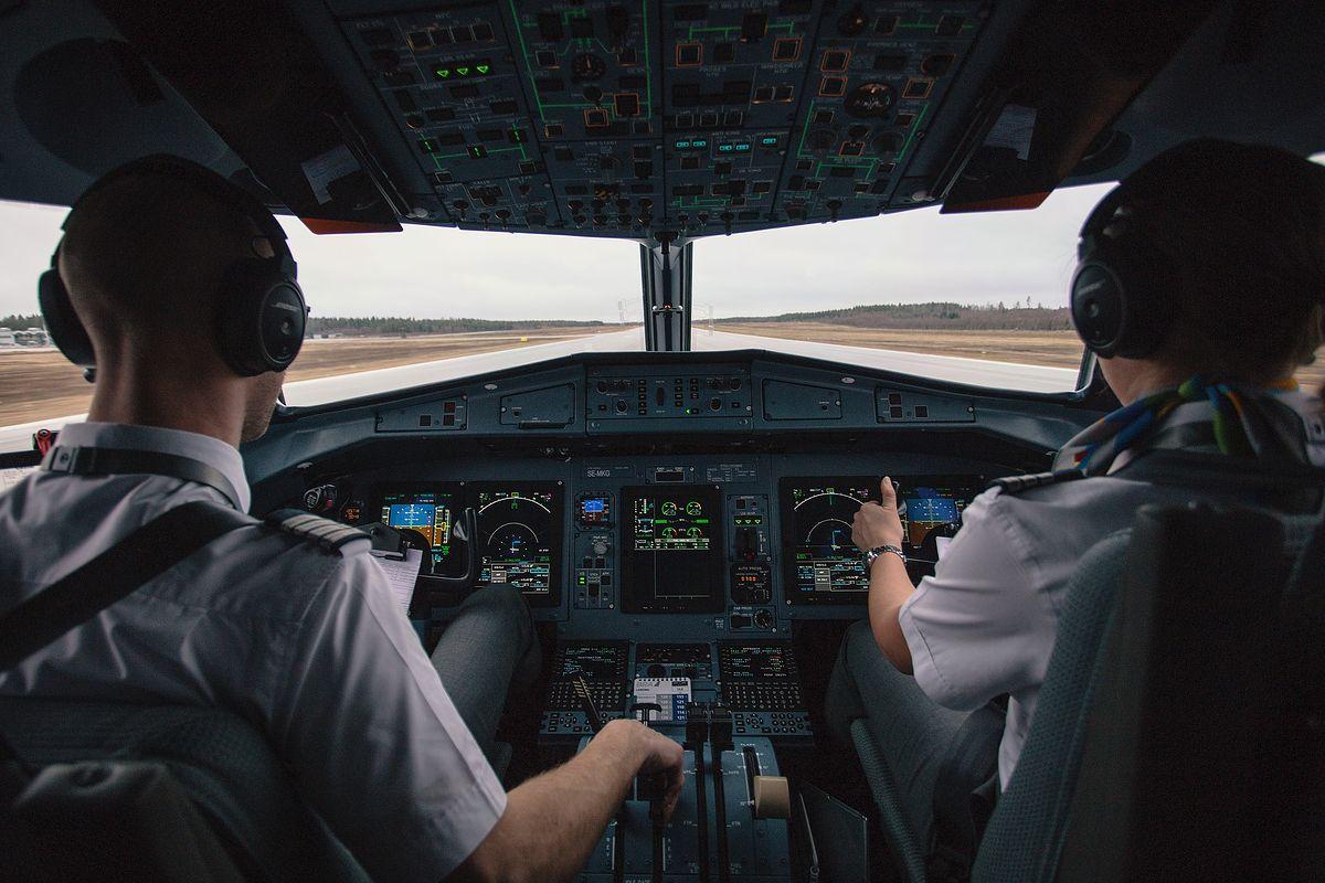 Jak wymarzony zawód zamienia się w udrękę. Praca pilotów jest dużo gorsza, niż myślimy