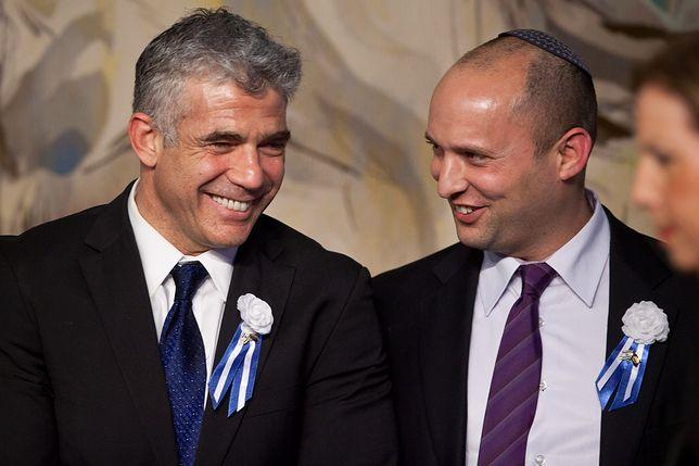 Jair Lapid oraz Naftali Bennett (po prawej). Minister edukacji Izraela w środę 7 lutego odwiedzi Polskę