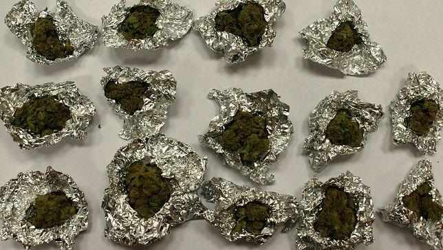 Marihuana pod wycieraczką. Policjanci nie dali się nabrać