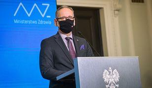 Mateusz Morawiecki apelował o oszczędność. Ministerstwo Zdrowia wypłaca nagrody urzędnikom. Ponad 2 mln zł