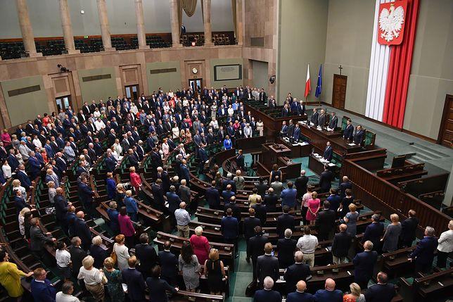 Sejm. Przyjęto uchwałę upamiętniającą uczestników powstania warszawskiego