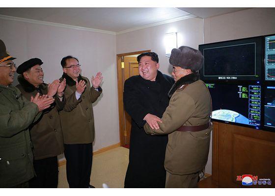 Ostatni test rakiety Hwasong-15 był dla Kim Dzong Una wielkim sukcesem