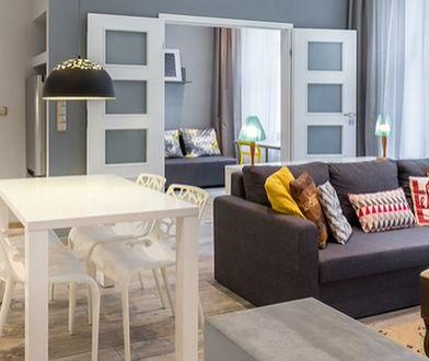 Materiał i kolor drzwi wewnętrznych dopasuj do podłogi lub stolarki okiennej.