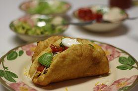 Taco z mieloną wołowiną, serem i sałatą (miękkie)