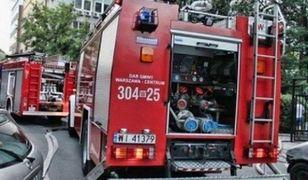 Pożar samochodu w centrum miasta. Ewakuacja teatru i ministerstwa