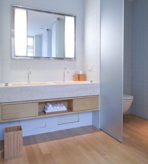 Biel w małej łazience