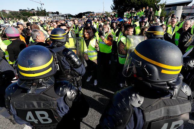 Protesty we Francji. Jedna osoba zginęła, wiele jest rannych
