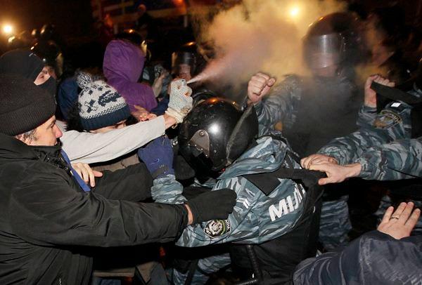 Rozebrany do naga Ukrainiec: wiedziałem, że Berkut bije mnie za prawdę