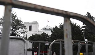 Sejm ogrodzono barierkami. Dziennikarze bez tymczasowych przepustek