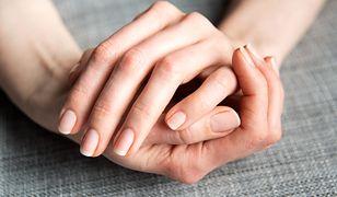 Detox manicure pozwoli na uzyskanie zdrowych i zadbanych paznokci.