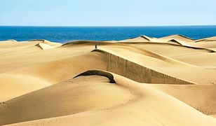 Parę kroków od gwarnych kurortów znajdziemy prawdziwe pustynne wydmy