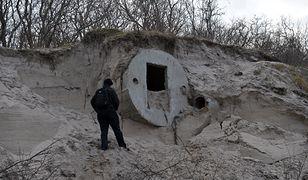 Sztorm odsłonił betonowe bunkry w Kołobrzegu