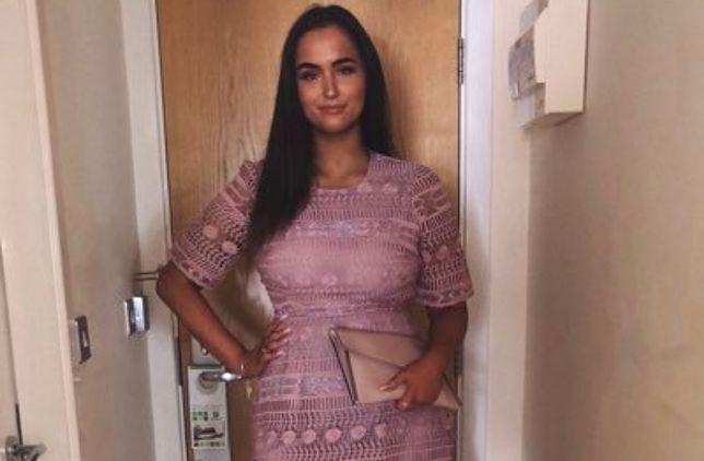 Sukienka jest teraz reklamą w sklepie internetowym