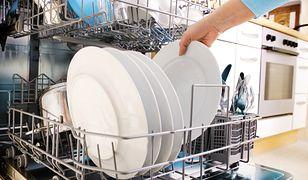 Co warto myć w zmywarce? Są rzeczy, które w ten sposób tylko zniszczysz
