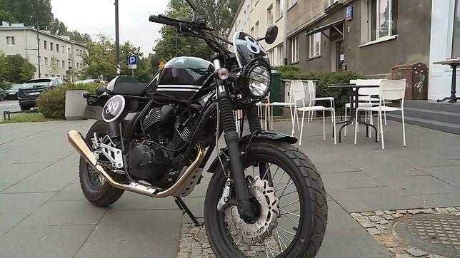Takim motocyklem można jeździć na kat. B. Nic dziwnego, że klienci rzucli się do salonów