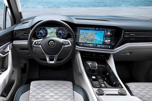 Nowy VW Touareg ma wnętrze jak w luksusowym domu. Na pokładzie m.in. 15-calowy ekran multimediów