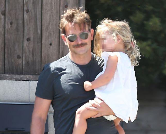 Bradley Cooper zabrał 2-letnią córeczkę do Disneylandu