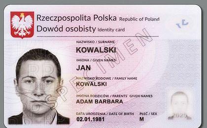 Wniosek o dowód osobisty. W tym roku Polacy wymienią 8 mln dokumentów