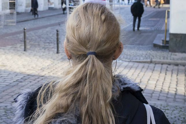 W Krakowie ktoś napada na kobiety i obcina im włosy (zdjęcie ilustracyjne)