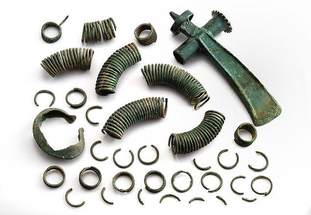 W Bieszczadach odkryto skarb z przedmiotami z brązu sprzed 3500 lat