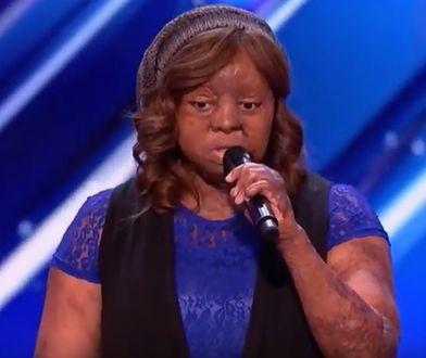 """Kechi Okwuchi na scenie """"Mam talent"""""""