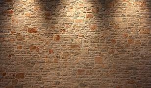 Kamień na ścianie